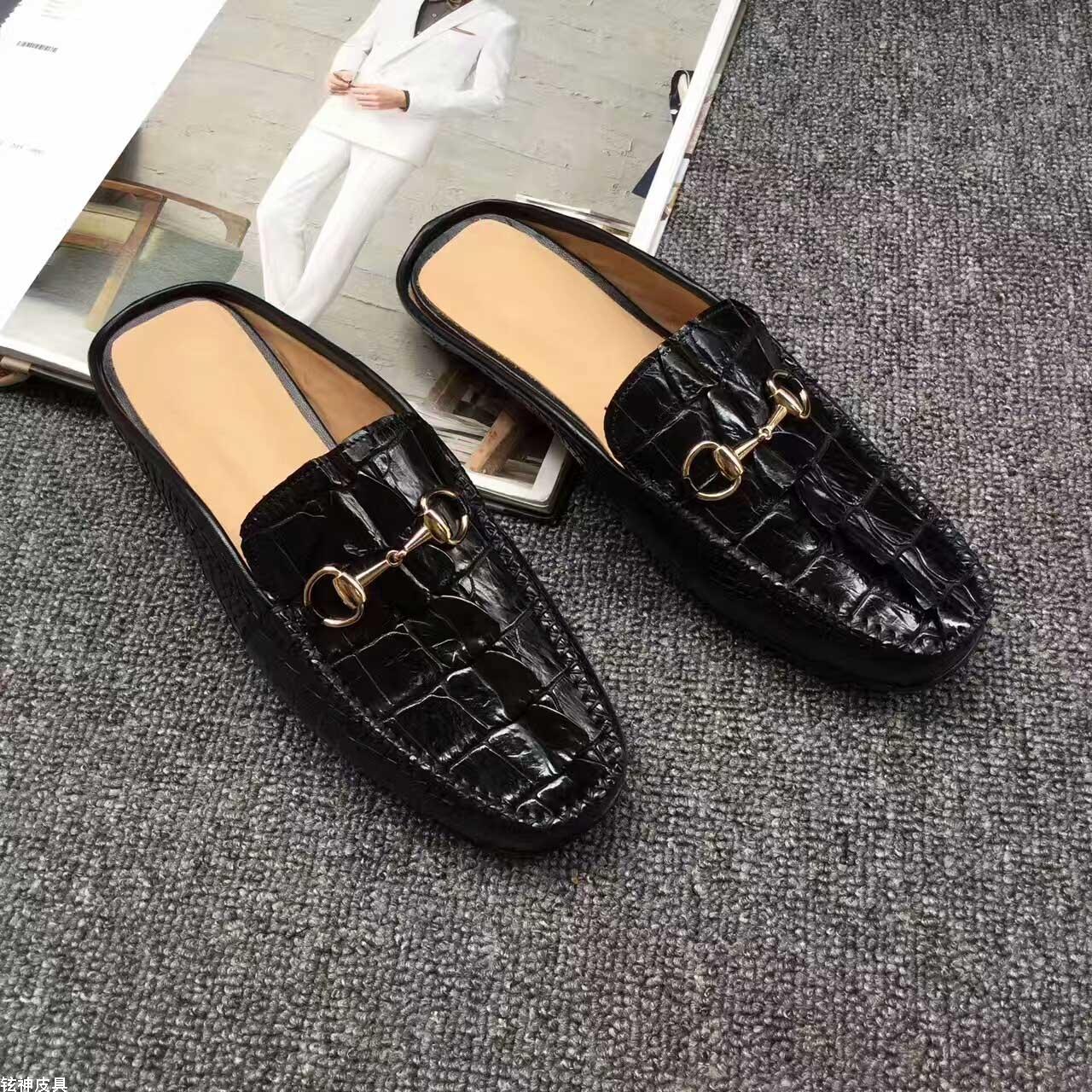 鳄鱼皮鞋拖鞋