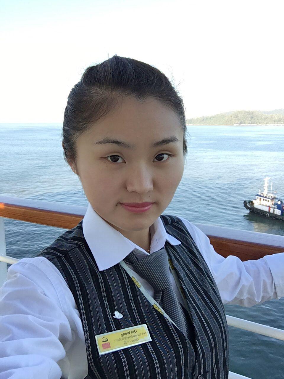 12级海乘学生 王琴