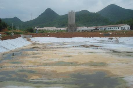 二布一膜应用于人工湖