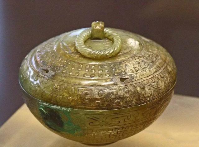 西汉南越王墓出土的玉盖盒