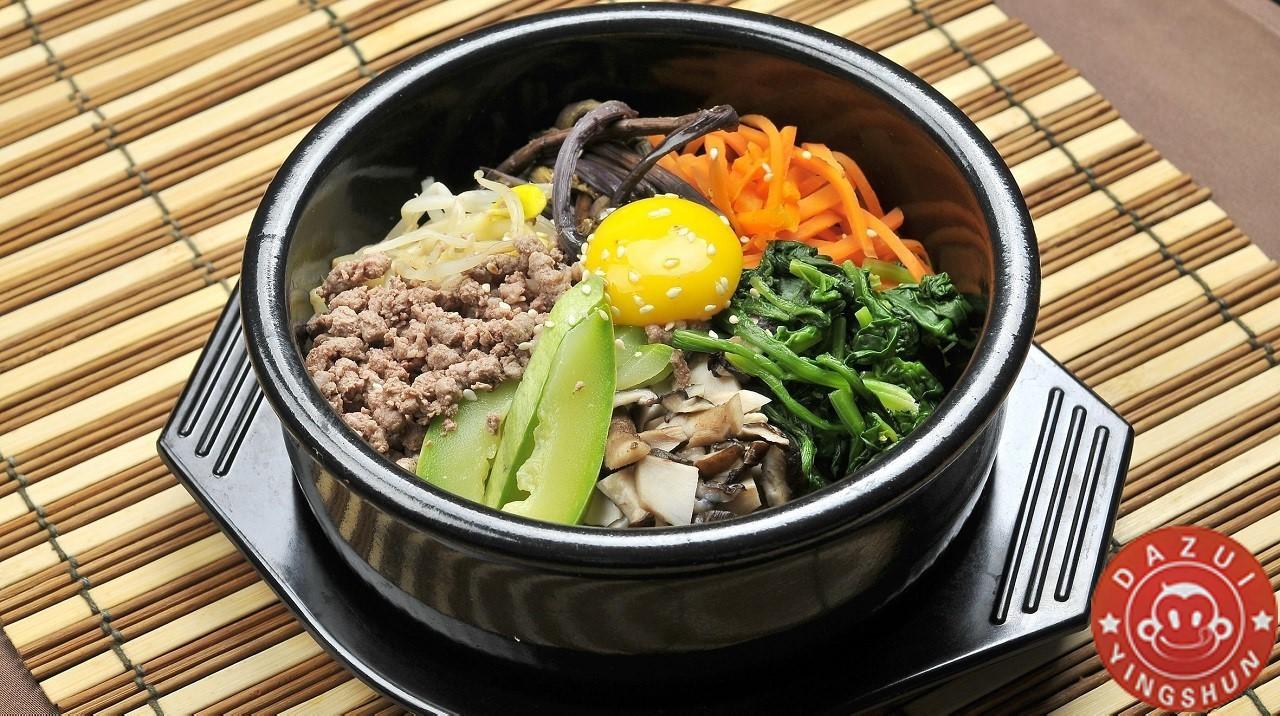 石 锅 拌 饭