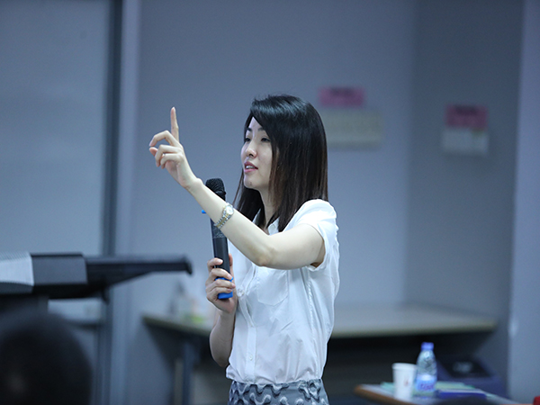 中国人民大学商学院教授-赵晶