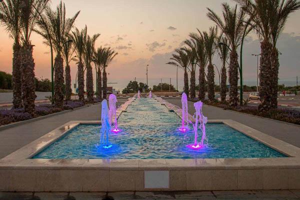 安徽音乐喷泉公司是怎样控制喷泉设备的
