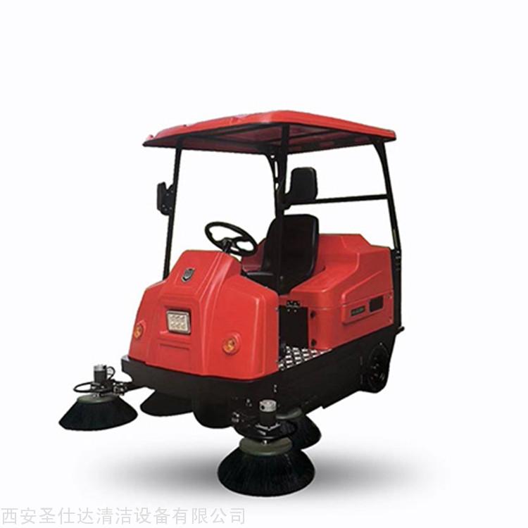 W1800伟顿驾驶式吸尘清扫车